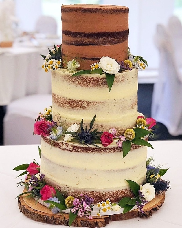 Beautiful caked created by Lauren Henson Bespoke Cakes